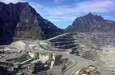 Apunta Indonesia a atraer 13 mil millones de dólares por el procesamiento de bauxita