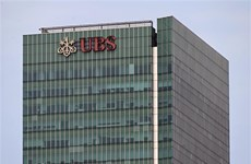 Multa Singapur al gigante bancario suizo UBS por operaciones engañosas
