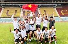 Debutan club y centro de formación de futbolistas vietnamitas en la República Checa