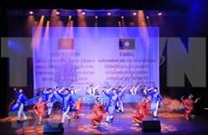 Velada musical en Vientiane resalta lazos especiales Vietnam- Laos