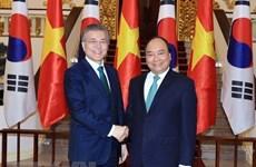 Participación en cumbres regionales evidencia papel activo de Vietnam en comunidad internacional