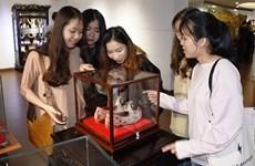 Presentan productos de orfebrería artesanal en ciudad vietnamita de Da Nang