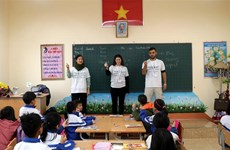 Imparten clases voluntarios israelíes a niños en provincia vietnamita