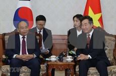 Vietnam concede importancia a lazos con Corea del Sur, afirma premier