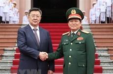 Estrechan Vietnam y Mongolia lazos en defensa