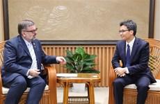 Viceprimer ministro de Vietnam recibe a funcionario de ONU sobre VIH/SIDA