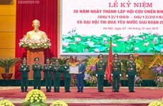 Elogia primer ministro de Vietnam aportes de veteranos de guerra al desarrollo nacional