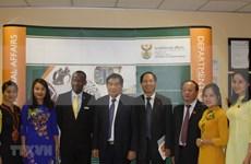 Vietnam y Sudáfrica intercambian experiencias sobre políticas referentes a minorías