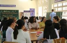 Promueve Michelle Obama asistencia a las adolescentes femeninas en Vietnam
