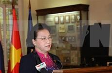 Visita presidenta del Parlamento de Vietnam universidad donde estudió Lenin