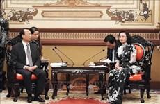 Proyectan Ciudad Ho Chi Minh y la localidad china de Chongqing ampliar vínculos de cooperación