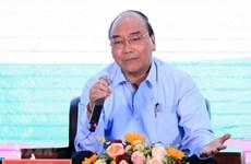Dialoga primer ministro de Vietnam con agricultores nacionales