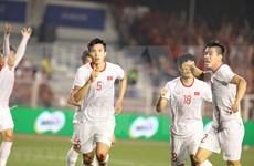 Alaba prensa asiática coronación de la selección de fútbol vietnamita en competencia regional