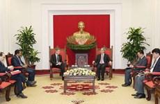 Alto funcionario partidista de Vietnam recibe a ejecutivos de Warburg Pincus y Nike