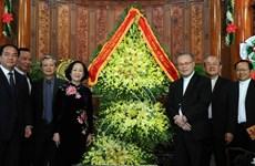 Dirigentes de Vietnam felicitan a católicos en ocasión de Navidad