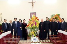 Felicita máxima legisladora de Vietnam a comunidad católica en ocasión de Navidad