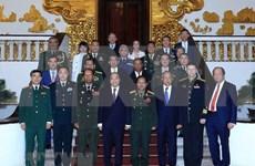Recibe primer ministro de Vietnam a dirigentes militares extranjeros