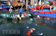 Lanzan en Vietnam concurso de reciclaje de desechos plásticos