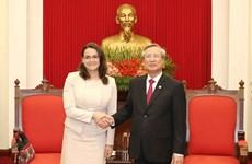 Partidos de Vietnam y Hungría aspiran a una mayor cooperación