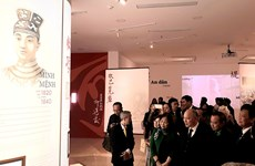 Exhiben obras caligráficas de última monarquía feudal de Vietnam