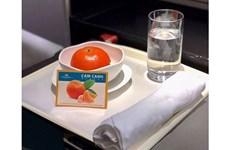 La aerolínea nacional Vietnam Airlines sirve fruta típica en sus vuelos