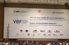 Inauguran Foro Empresarial de Vietnam en Hanoi
