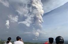 Suspenden vuelos en capital filipina por cenizas volcánicas