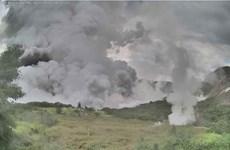 Evacua Filipinas a miles de personas por erupción volcánica