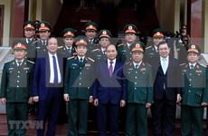 Premier de Vietnam supervisa disposición combativa de fuerzas armadas en el Tet