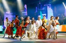Artistas vietnamitas residentes en ultramar se reúnen en programa musical en víspera de Tet