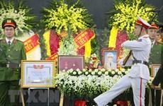 Efectúan funeral de policías caídos en misión en comuna suburbana de Hanoi