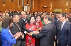 Premier vietnamita se reúne con connacionales residentes en ultramar