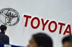 Recibe Toyota permiso para fabricar vehículos electrónicos en Tailandia