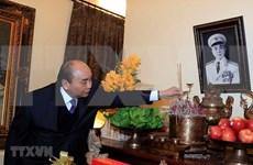Premier de Vietnam rinde tributo a extintos dirigentes del país en ocasión del Tet