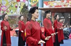 El canto Xoan en la casa comunal de Hung Lo