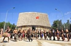 Ceremonia de inauguración de casa Rong de la etnia Bahnar