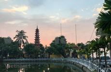 La pagoda Tran Quoc: flor de loto en el lago del Oeste
