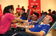 Convocan a trabajadores en Vietnam a donar sangre