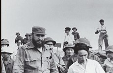 Presentan libro de periodista cubano sobre visita de Fidel a Vietnam durante la guerra