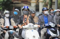 COVID-19: Aplica Vietnam sanciones serias por tirar mascarillas fuera de lugares permitidos