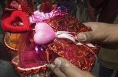 Festejan en Vietnam Día de San Valentín pese a propagación de COVID-19