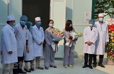 Dos pacientes de COVID-19 en Vietnam reciben alta médica