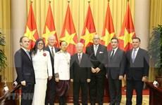 Recibe máximo dirigente de Vietnam a nuevos embajadores extranjeros