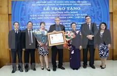 Recibe Asociación de Amistad Finlandia-Vietnam Orden de Amistad
