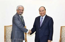 Vietnam dispuesto a contribuir a resolver temas candentes mundiales, afirma su premier