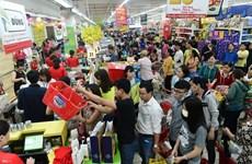 """Ventas aumentan en supermercados pero cayen en """"mercados mojados"""" en Vietnam"""