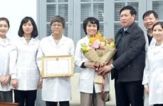 Reconocen a mujeres científicas en Vietnam por sus aportes en investigación de la influenza