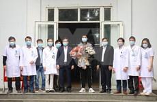 Recibe alta médica paciente número 18 del coronavirus en Vietnam