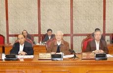 Buró Político del órgano rector del Partido Comunista de Vietnam evalúa lucha contra el COVID-19