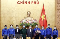 Premier de Vietnam llama a movilizar incorporación juvenil en combate contra COVID-19